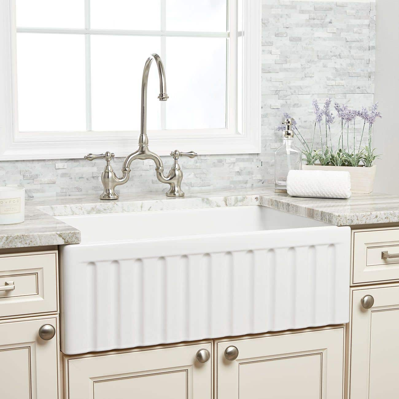 30 Reversible Fluted Fireclay Farm Sink Lip Front Vtb