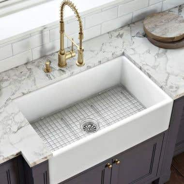 Life View - 30 x 20 Smooth Fireclay Farmhouse Sink - Smooth Apron